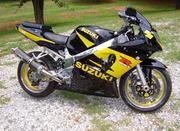 2003 Suzuki GSX-R Engine size: 600 cc