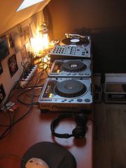 2x Pioneer cdj-1000MK3 & 1x djm-800 mixer DJ package @ 1200 eur